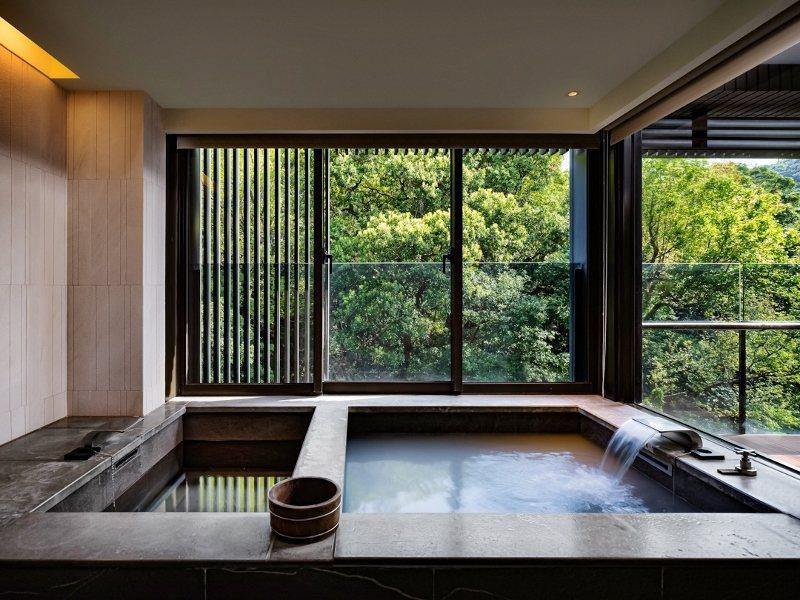 北投麗禧館內每間客房都備有冷、熱湯池。 業者/提供