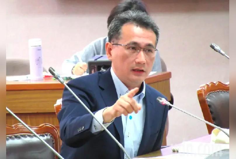 護照英文改Taiwan 綠委:國民黨提版本會更有共識