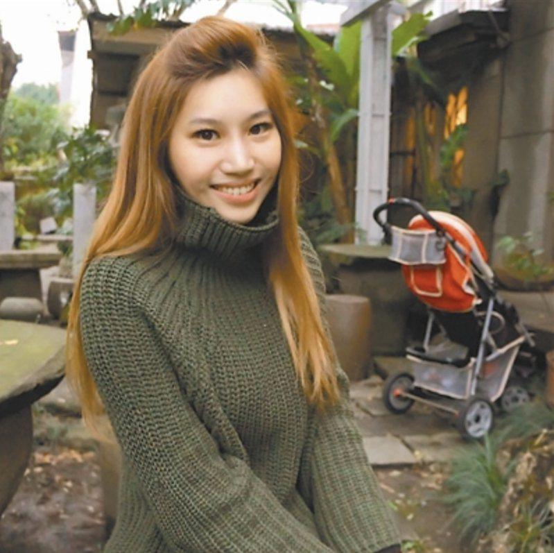 朱珍瑤長期關注國際政治、兩岸關係,尤其外型亮麗甜美,更曾獲2009年世界亞裔小姐亞軍。圖/取自朱珍瑤臉書