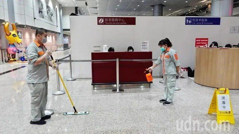 觀光局內勤主管否認請人接待染疫兒一事。聯合報系資料照