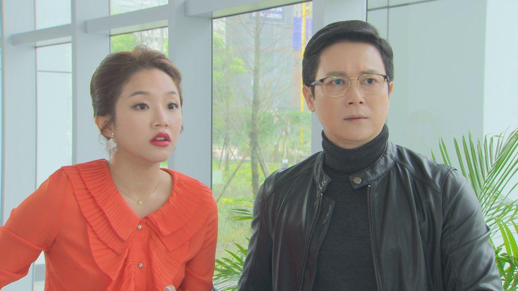 賴慧如(左)、王燦在「多情城市」戲中,每次和翁家明對戲就有笑料。圖/民視提供