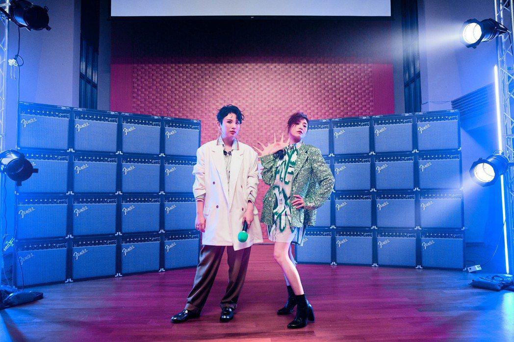 蘇慧倫(右)與魏如萱初次合作。圖/相信音樂提供