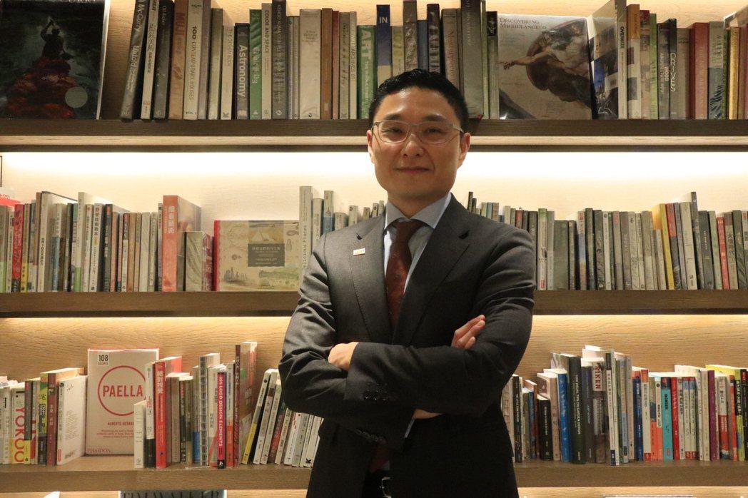 誠品行旅總經理王本仁從業務開始做起,曾歷經SARS風暴的他直言當時很多飯店都是自...