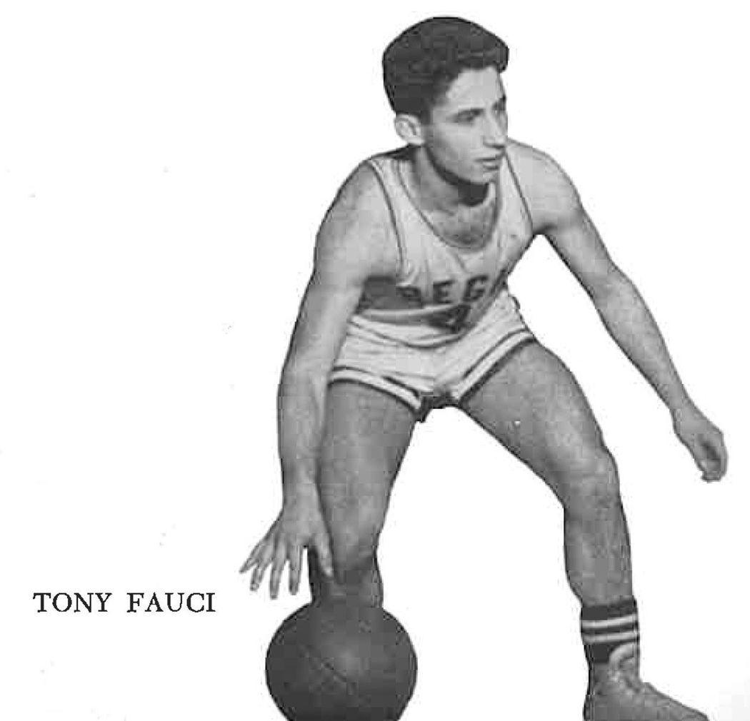 佛奇在1958年畢業紀念冊的照片。圖片取自里吉斯高中