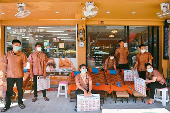 疫情蔓延全球,泰國觀光業受重創。 路透