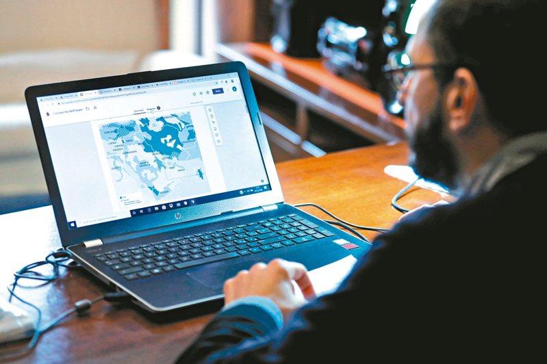 歐美地區在家辦公或上課帶動筆電需求大增,供應鏈近期獲客戶筆電追加訂單。 路透