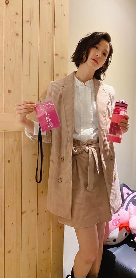賴雅妍表示除了多喝水,喝對時間也對保養很有幫助。 圖/摘自賴雅妍臉書