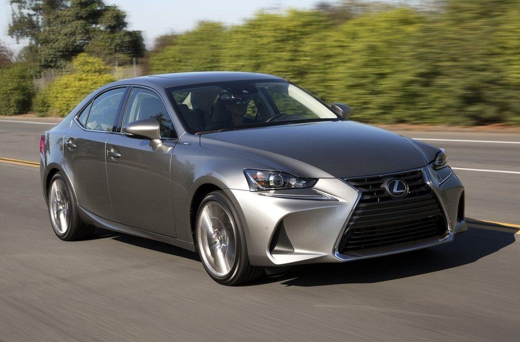 Lexus IS將通過10月份的