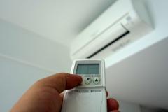 夏天少開冷氣電費還破8千 網友揭妙招「電費砍半」