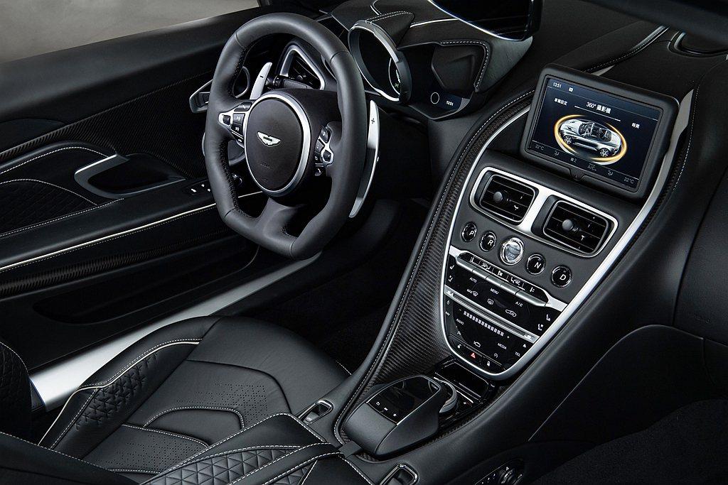 Aston Martin DBS Superleggera Volante車室舒...