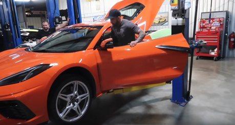 影/雙渦輪Chevrolet Corvette 的熱血聲浪配口哨洩壓 你能不愛嗎?