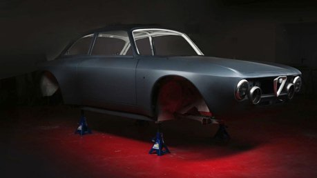 經典Alfa Romeo變身500匹馬力電動車!3秒破百公里加速