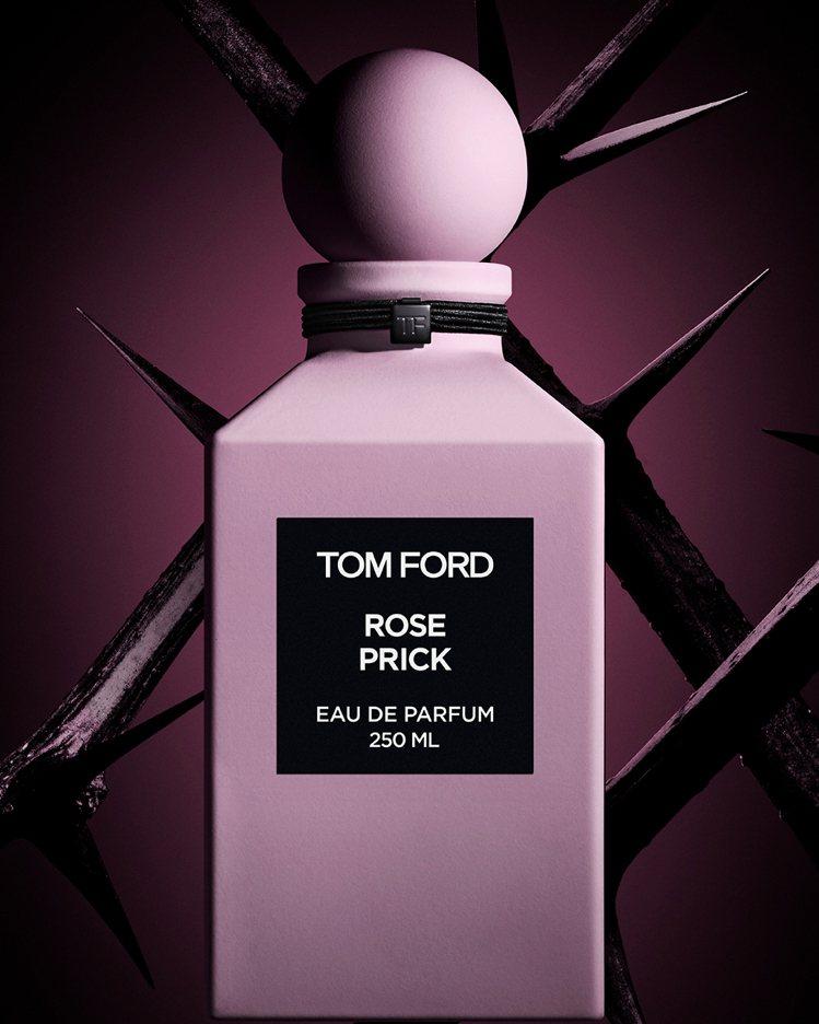 包裝上的顏色被Tom Ford稱之為「ROSE PRICK PINK」(帶刺玫瑰...