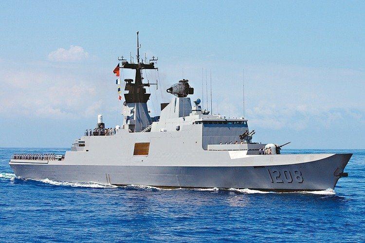 海軍康定級承德軍艦。 圖/本報資料照