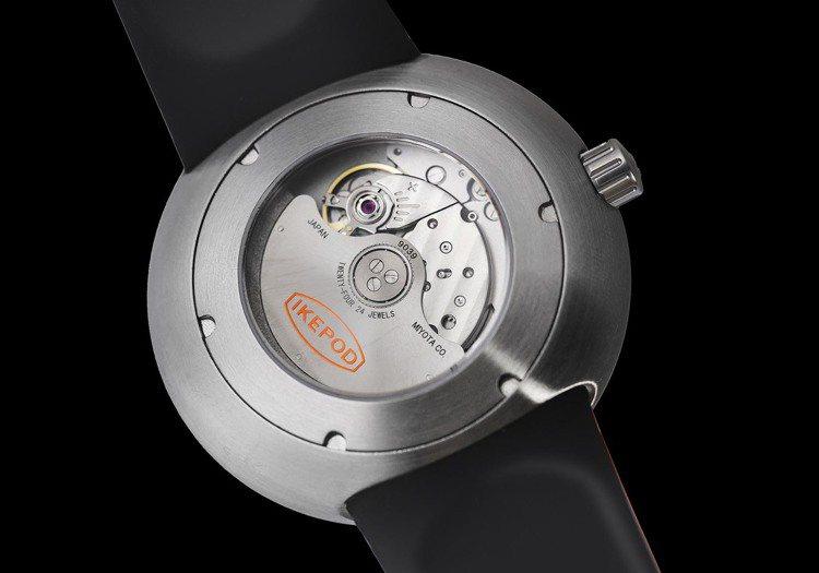 Ikepod新表使用Miyota通用機械機芯,功能則具備時、分、秒顯示。圖 / ...