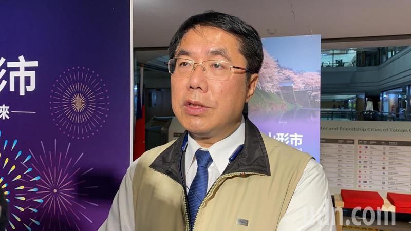台南市長黃偉哲表示,預計4月9日強制實施民眾搭大台南公車要戴口罩。記者鄭維真/攝影