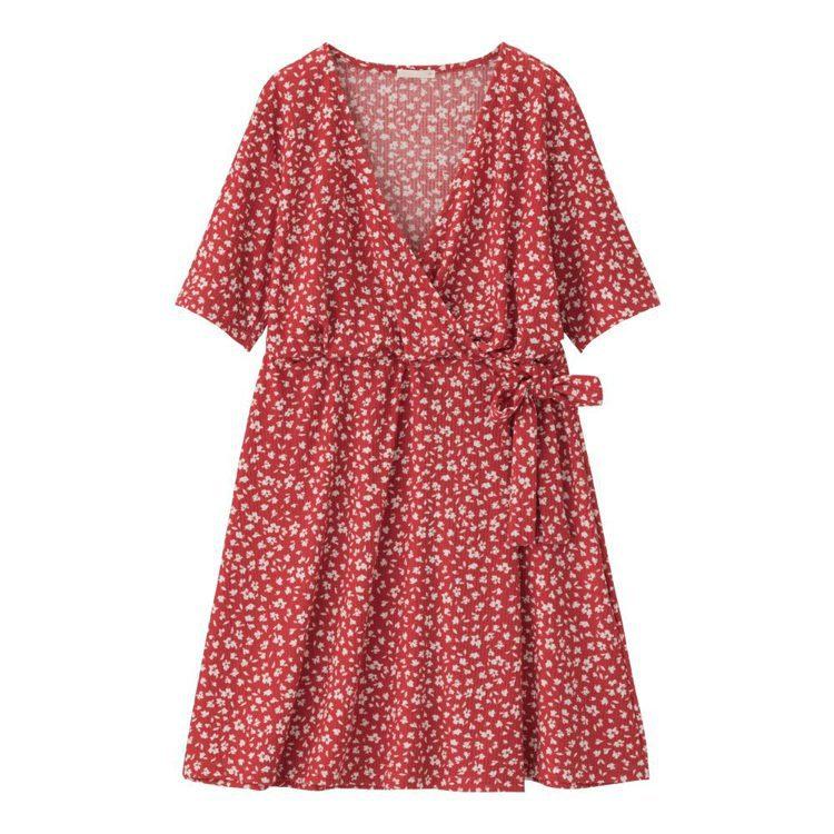 GU女裝花朵連身迷你裙590元。圖/GU提供