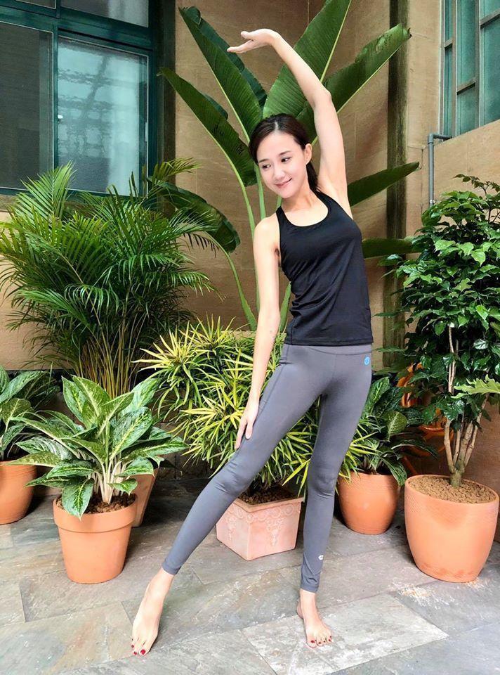何妤玟坦言瑜珈教室的經營也受疫情影響。圖/摘自臉書