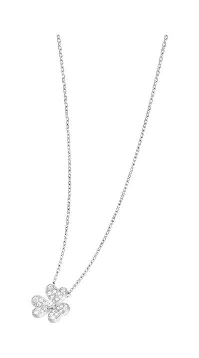 梵克雅寶Frivole吊墜迷你款,白K金鑲嵌鑽石,13萬元。圖/梵克雅寶提供