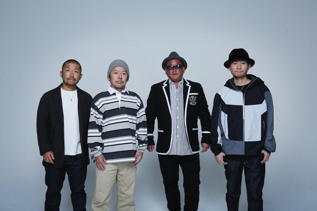 日本男團「決明子」主唱Ryoji(右二)證實罹患新冠肺炎。圖/摘自官網