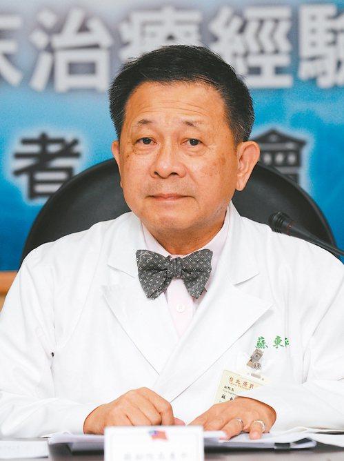 振興醫院精神醫學部主任蘇東平呼籲,政府及社會應重視醫護人員的精神支持。 圖/聯合...