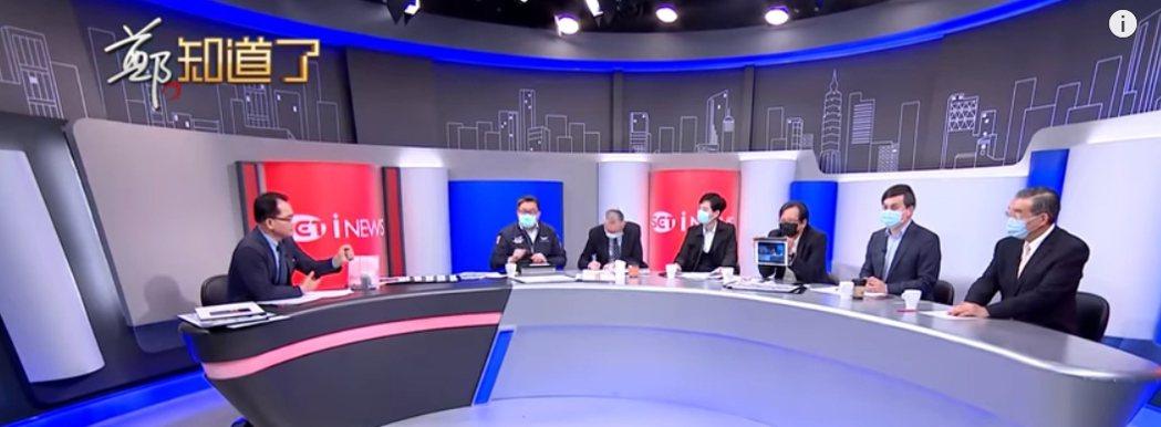 鄭弘儀(左)政論節目「鄭知道了」已全面要求來賓戴口罩錄影。圖/擷自YouTube