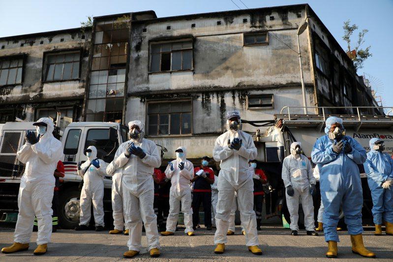馬來西亞衛生總監諾希山(Noor Hisham Abdullah)宣布,今天新增208起新冠肺炎確診病例,全國累計突破3000例至3116,死亡病例增加5起,累計50例,死亡率約1.6%。 路透社