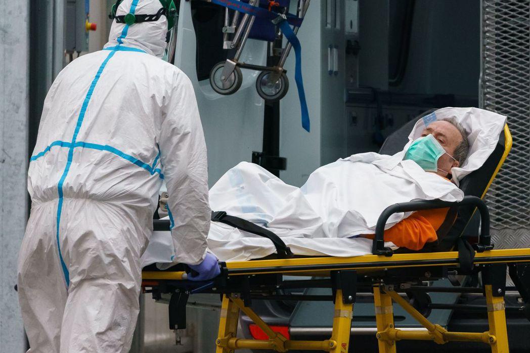 西班牙新冠肺炎疫情嚴重,確診個案已逾10萬人,在當地擔任急診醫師的台裔吳明鴻表示...