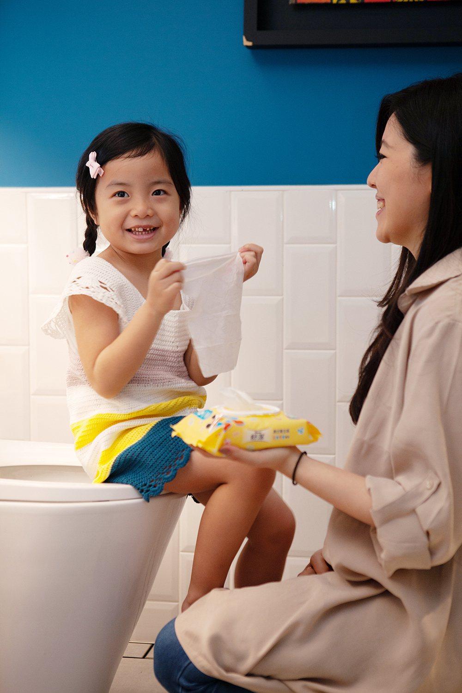 「兒童學習專用濕式衛生紙」通過國際肌膚敏感性測試權威優良認證,親膚溫和,擦完像水...