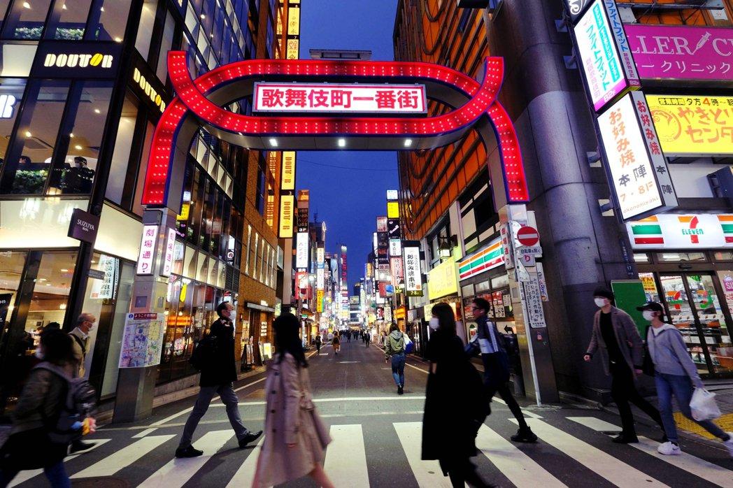 海內外知名的東京夜生活鬧區——歌舞伎町——卻在1日發現有眾多酒店和風俗店(色情業...