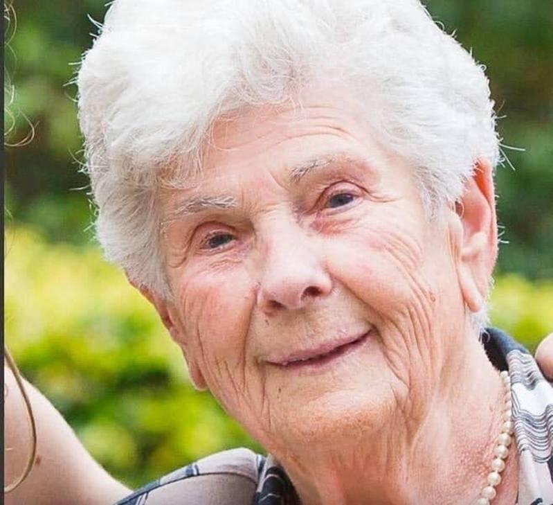 Suzanne Hoylaerts日前因食慾不振和呼吸困難送院,經過檢測後確診新冠肺炎並被隔離治療。圖/截自臉書