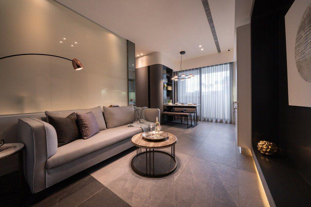 「央泱長虹」規劃26坪2+1房、44坪3+1房、60坪大4房,充分滿足首次購屋者...