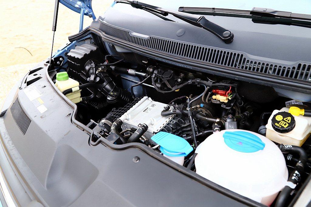 福斯商旅T6 Freestyle動力搭載2.0L直列四缸渦輪增壓柴油引擎,擁有1...