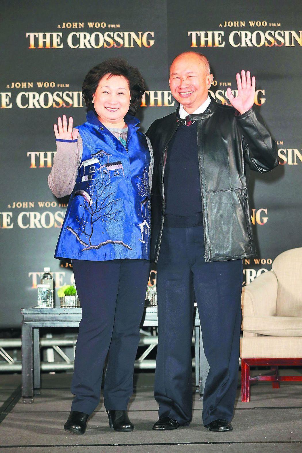 導演吳宇森(右)的老婆牛春龍在美被診斷出罹腦瘤。本報資料照片