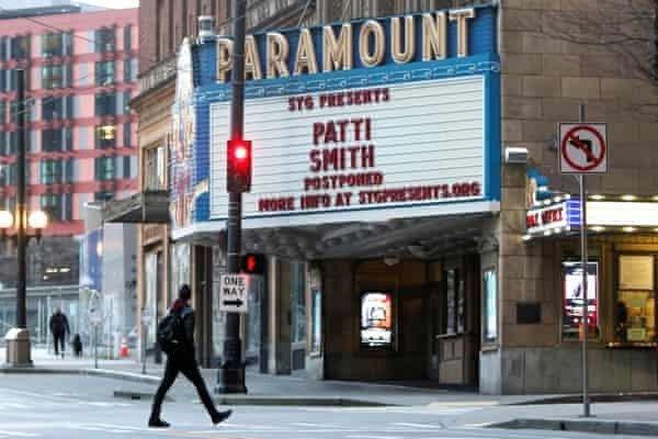 全美各地戲院關閉,票房跌到空前谷底。圖/路透資料照片