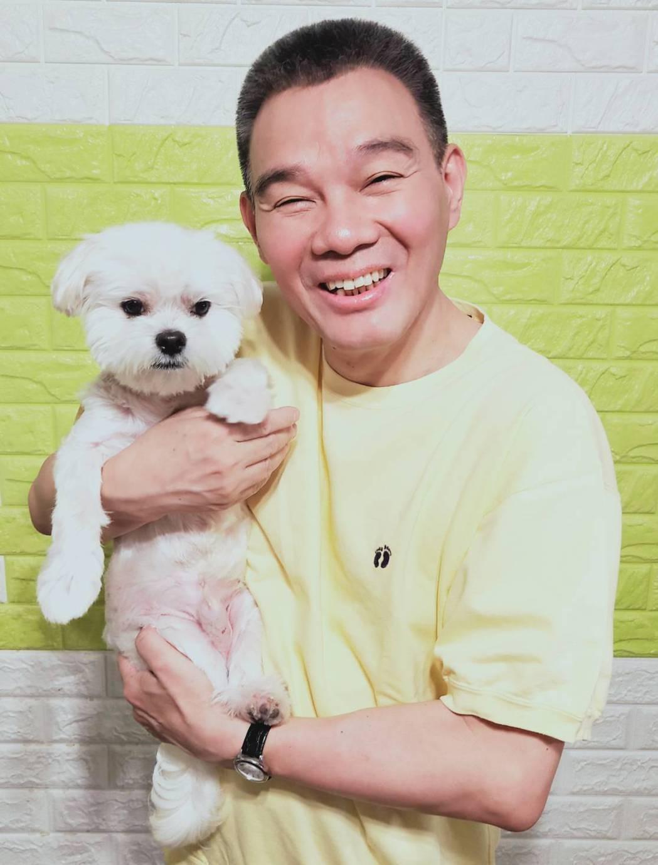 陳雷相當疼愛毛小孩「Manny」。圖/雲凱娛樂工作室提供