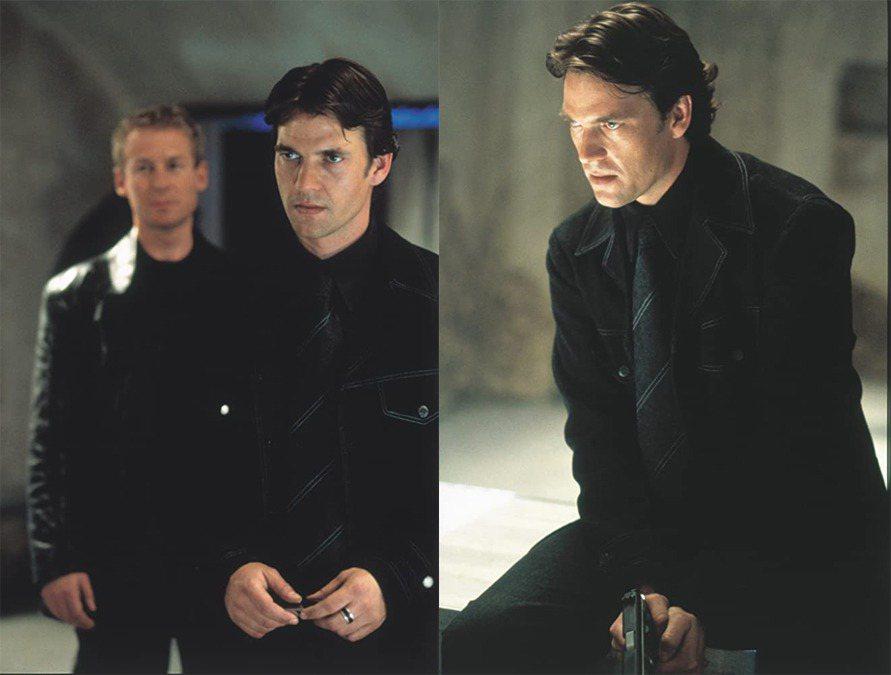 道格瑞史考特(右)在「不可能的任務2」演大反派。圖/摘自IMDb