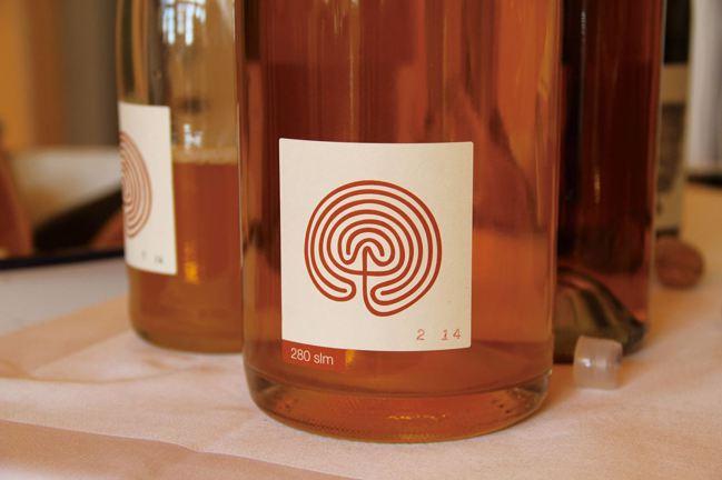 大多數橘酒都是自發性發酵。 圖/積木文化提供