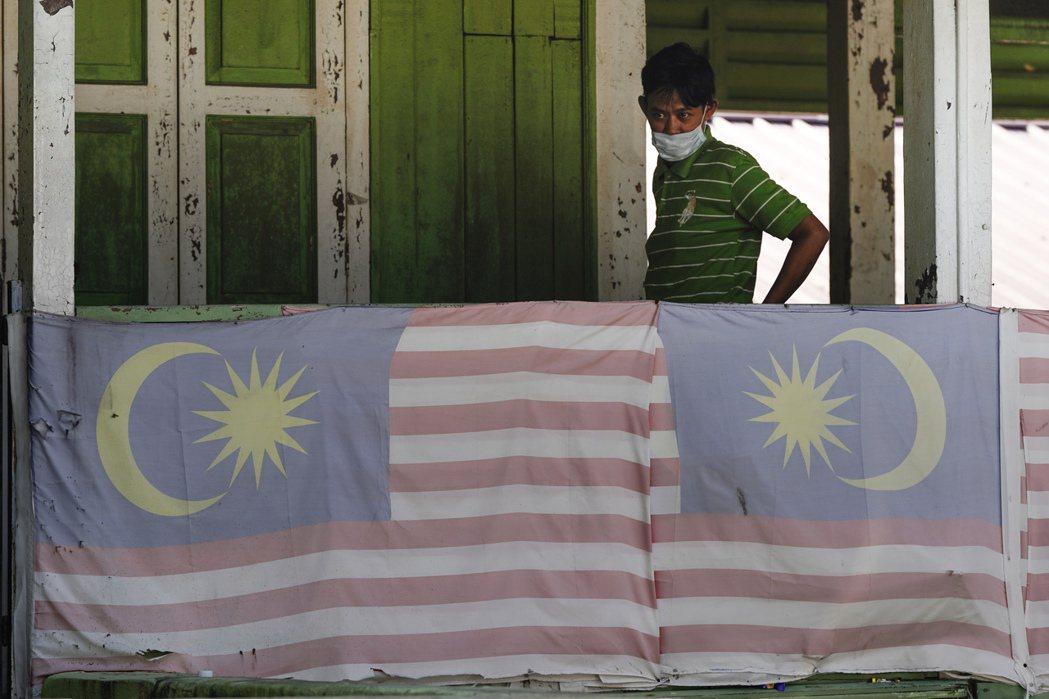 馬來西亞宣布,今(3日)新增217起新冠肺炎確診病例,全國累計3333例;死亡個...