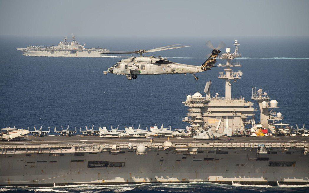 另一方面,太平洋艦隊司令阿奎利諾上將(John Aquilino)、美國海軍作戰...