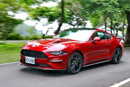 帥氣黑馬經典依舊 Ford Mustang Black Shadow Edition試駕