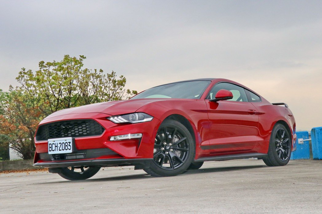Ford Mustang Black Shadow Edition。 記者陳威任...