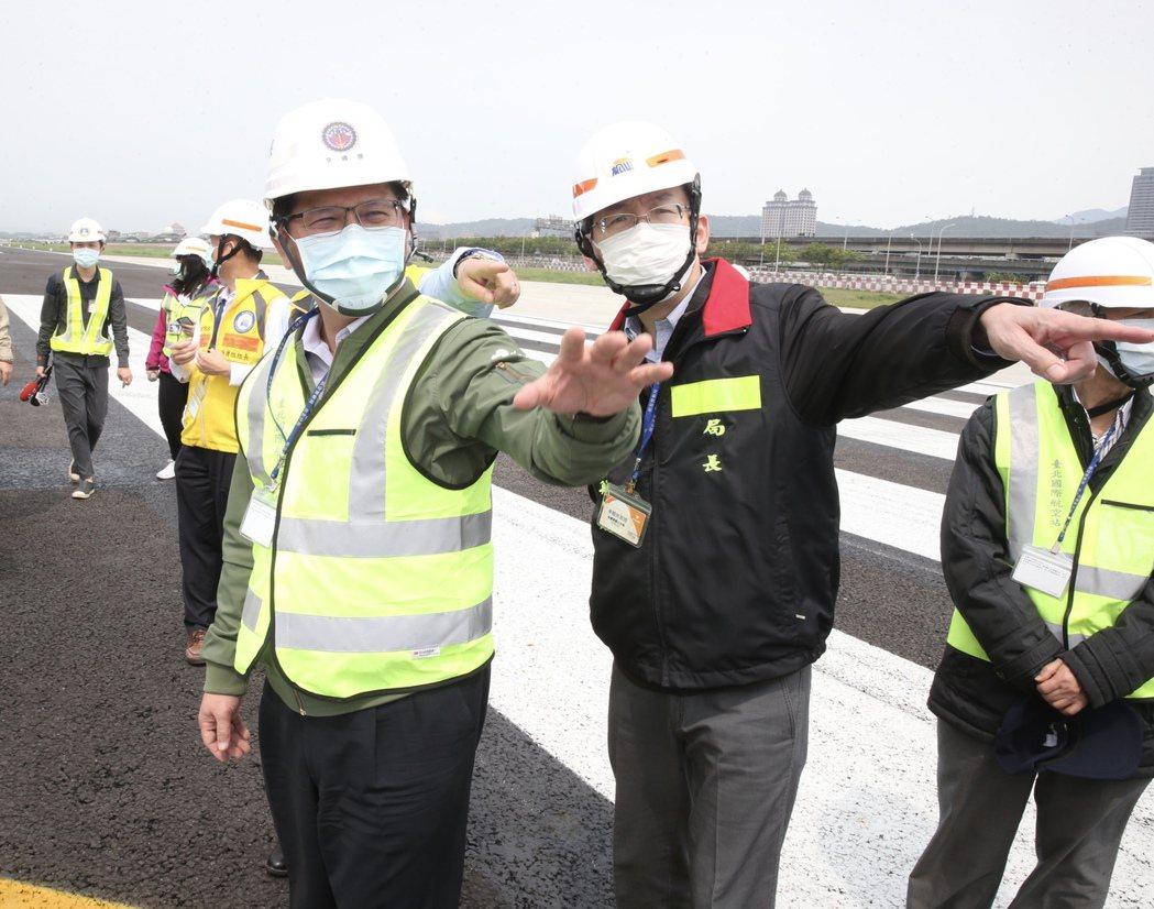 交通部長林佳龍上午表示對於觀光局員工染疫,觀光局長已自請處分。記者曾吉松/攝影
