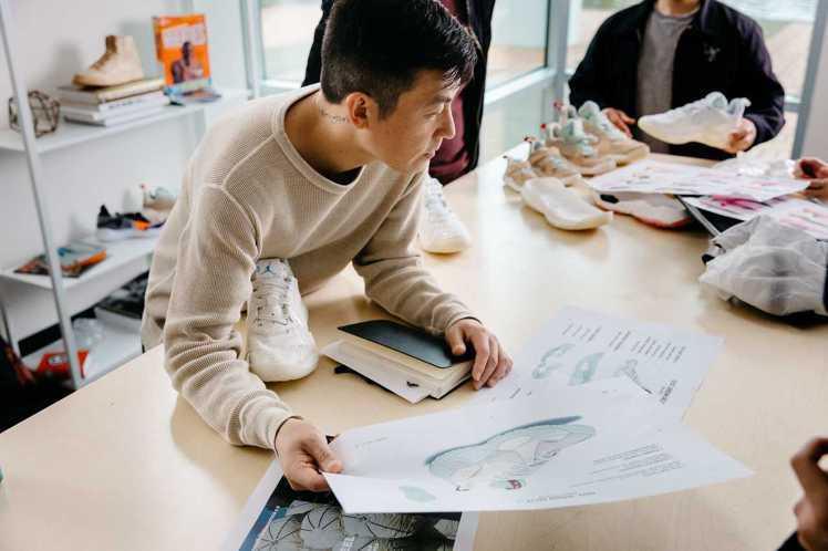 陳冠希搶先體驗Jordan Delta鞋款,剛在社群平台上釋出,就引發潮流界的廣...