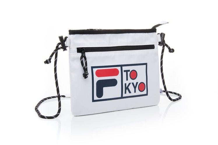 FILA東京配信系列斜背小包1,680元。圖/FILA提供