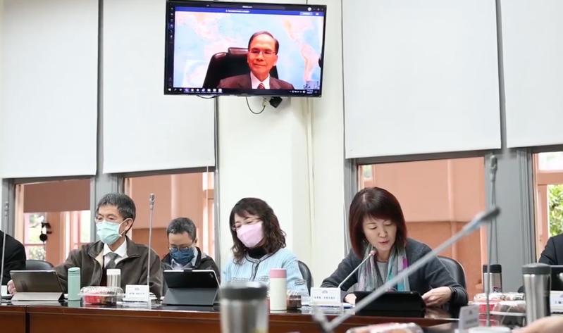 立法院長游錫堃進行視訊會議演練。圖/取自游錫堃臉書