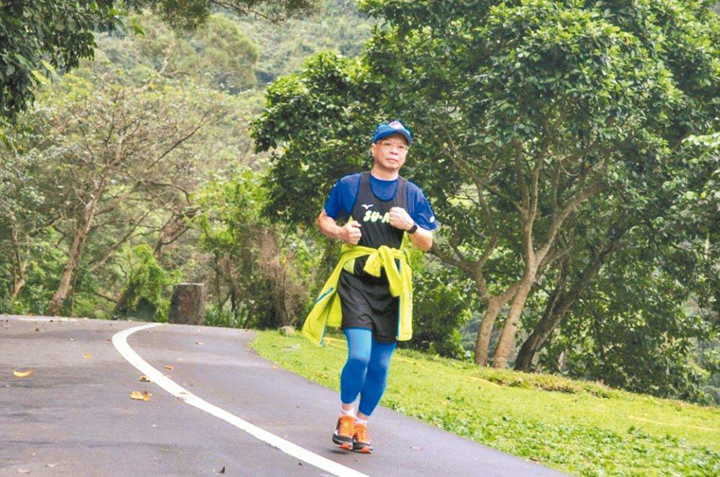 50歲以後保持每日運動的習慣。圖/林國俊提供