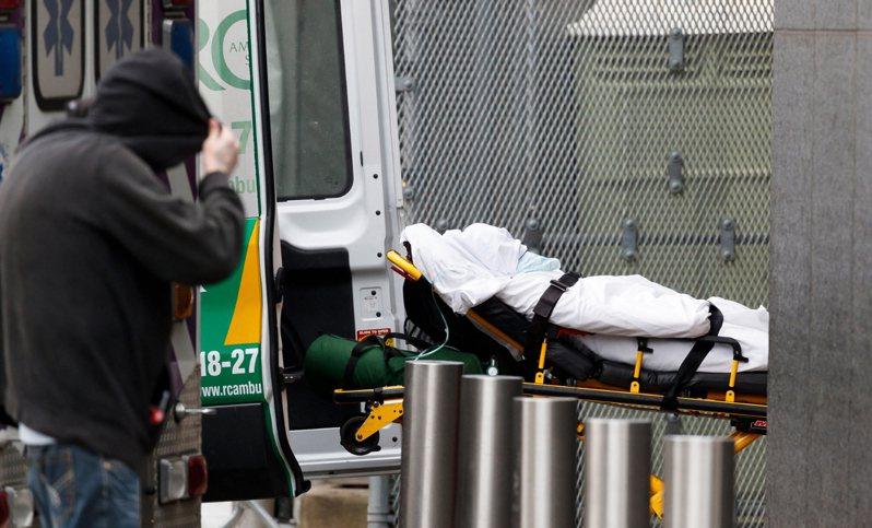 紐約州新冠肺炎確診突破10萬例,單日562死,創疫情爆發以來新高。 歐新社