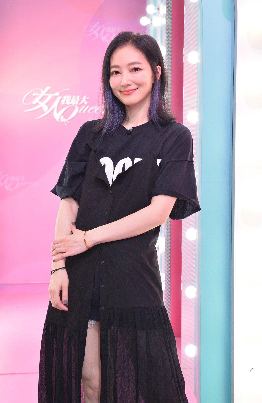 林立雯是服飾店老闆娘。圖/TVBS提供