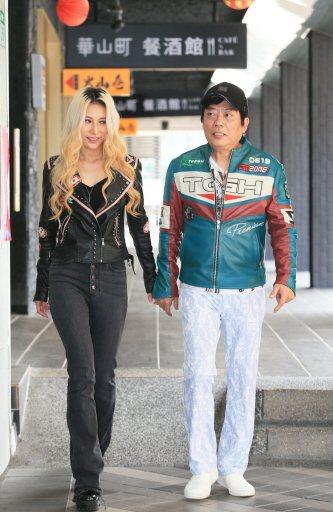 呂婕菲(左)與知名製作人老公凃惠源結婚10年,感情依舊甜蜜,羨煞旁人。記者潘俊宏...